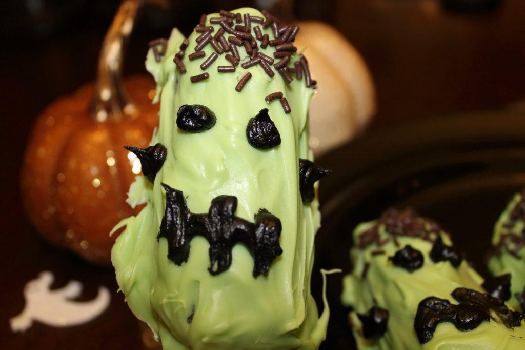 Frankenstein Twinkie Pops